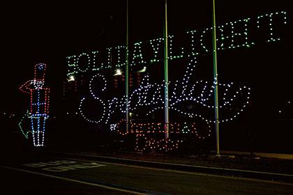Visit the holiday light spectacular at atlanta motor for Atlanta motor speedway light show